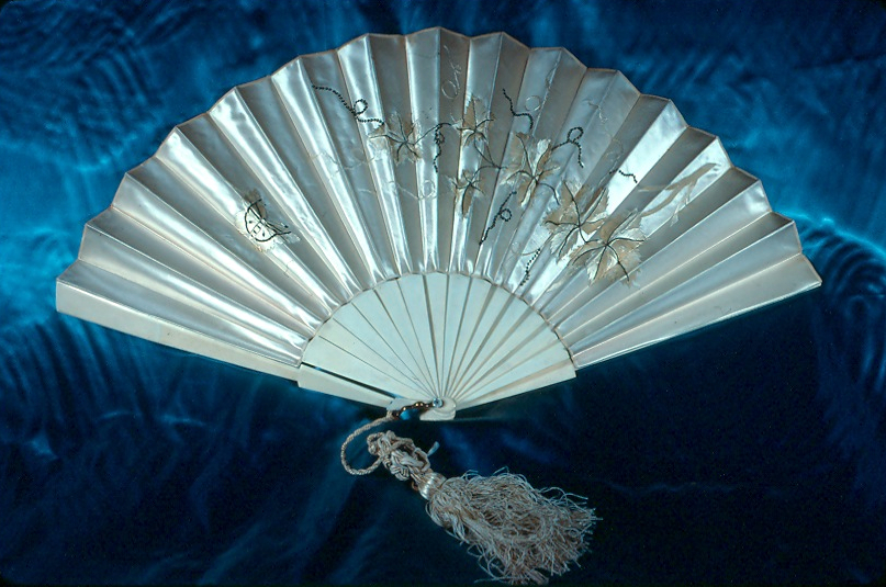 Types Of Fans : Online exhibit types of fans